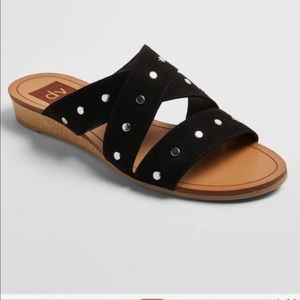 NWOT SZ 8 Studded Wedge Sandals Black Leather